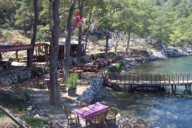 turkish-villa-waterside-cafe_mini